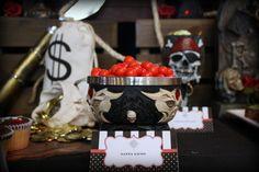 Pirate party @kissmekate http://www.prettymyparty.com/pirate-themed-birthday/