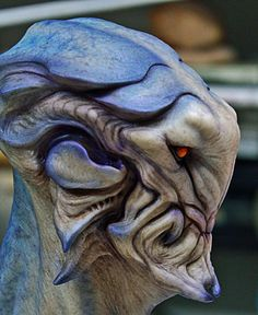 Aris Kolokontes art.: Alien bust, blue version.
