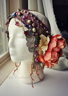 Art Nouveau floral headdress by the Verdant Muse don't like the colorway, but like the coins and the bead fringe. Tribal Fusion, Estilo Tribal, Larp, Floral Headdress, Tribal Costume, Tribal Belly Dance, Art Nouveau Jewelry, Belly Dance Costumes, Belly Dancers
