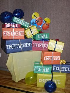 Just another cute idea for Blue and Gold Decorations.with Core Values. Just decorate some empty boxes. This would also be cute for a eagle scout court of honor. Girl Scout Bridging, Girl Scout Troop, Scout Leader, Girl Scouts, Cub Scout Crafts, Cub Scout Activities, Les Scouts, Eagle Scout Ceremony, Tiger Scouts