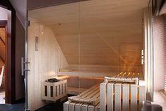 Sauna unter einer Dachschräge | Apart-Sauna - Ihre individuell geplante Sauna für Zuhause vom Hersteller | Apart-Sauna Interior Garden, Interior Design, Sauna Design, Sauna Room, Funny Design, Pool Designs, Attic, New Homes, Home And Garden