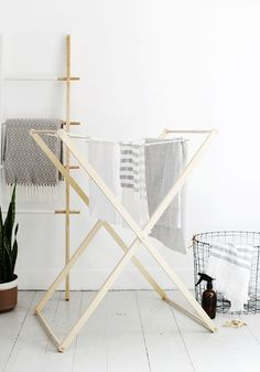 Modern Laundry Drying Rack DIY