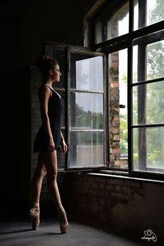 ballerina balerina dance dancer ballet balett choreography choreographer school art studio photography photo nikon shoot model modell photoshoot window light