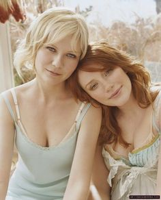 Bryce Dallas Howard & Kirsten Dunst by Carter Smith (love the color in this photo) Kirsten Dunst, Mother Daughter Poses, Mother Daughter Photography, Mother Daughters, Daddy Daughter, Mother Son, Carter Smith, Pretty People, Beautiful People