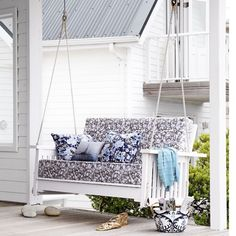 The porch swing for the garden and veranda - fabulous garden furniture Garden Swing Seat, Pergola Swing, Garden Swings, Terrace Garden, Corner Pergola, Pergola Plans, Pergola Kits, Indoor Swing, Indoor Hammock