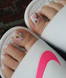180 eye catching toe nail art ideas you must try page 18 Pretty Toe Nails, Cute Toe Nails, Cute Toes, Cute Acrylic Nails, Pretty Toes, Pedicure Nail Art, Toe Nail Art, Manicure, Pretty Nail Designs