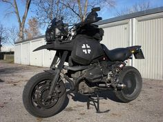 Mad max-style BMW R1100GS
