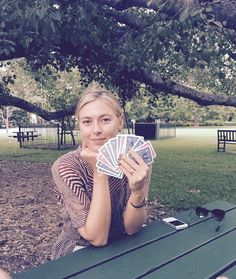Maria's Facebook: Easy evening, playing cards out in the park
