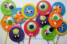 Monster cupcake toppers, Monster Bash cake toppers, Monster Bash birthday, Little Monster baby shower, rainbow monster cupcake toppers - Basteln mit kleinkindern Monster Party, Monster Cupcakes, Monster Birthday Parties, Fun Cupcakes, Party Monsters, Theme Halloween, Halloween Crafts, Halloween Decorations, Monster Decorations