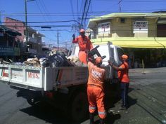 Brigadas de Obras Públicas realizaron operativo de limpieza en el sector de Cristo Rey