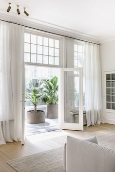 Home Decoration Bedroom .Home Decoration Bedroom Home Design, Home Interior Design, Interior Decorating, White House Interior, Modern Design, Minimalist Home Interior, Interior Livingroom, Interior Plants, White Home Decor