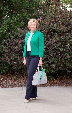 Savvy Southern Chic: How to wear kelly green Sixties Fashion, 60 Fashion, Estilo Fashion, Stylish Work Outfits, Chic Outfits, Fashion Outfits, Green Outfits For Women, Southern Fashion, Professional Wardrobe