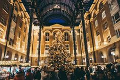 Christmas in London - the bumper guide of things to do in London at Christmas #london #travel #christmas