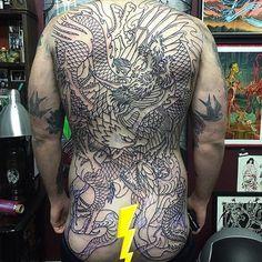 Battle royale started by @xamthespaniard the other day!! #sevendoorstattoo #tattoo #tattoos #backpiece #eastlondon #bricklane #lefthandtricks
