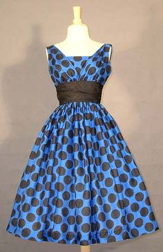silk party dress Ah I'm in love 1950s Party Dresses, 50s Dresses, Pretty Dresses, Vintage Dresses, Vintage Outfits, Fashion Dresses, Vintage Clothing, Rockabilly Fashion, 1950s Fashion