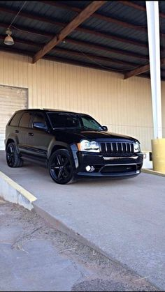 Blacked out SRT 8 Grand Cherokee