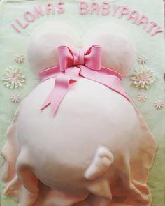 Babybauch Torte für meine Freundin #babybauch #babygirl #fondant #rosa #babyshowercake #babyshower #schleife #babybelly #schwanger #baby #mädchen #flowers #hasselnus #schokocreme