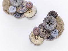 まとめ髪や帽子の飾りに使えるボタンクリップ