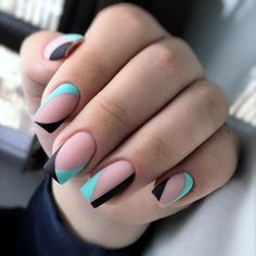The advantage of the gel is that it allows you to enjoy your French manicure for a long time. There are four different ways to make a French manicure on gel nails. Aycrlic Nails, Nail Manicure, Hair And Nails, Stylish Nails, Trendy Nails, Cute Acrylic Nails, Cute Nails, Nail Deco, Nail Art Photos