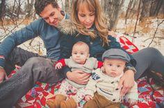 Twins Family Photo | Winter Family Photos | Calgary Family Photography | www.epicdanger.com