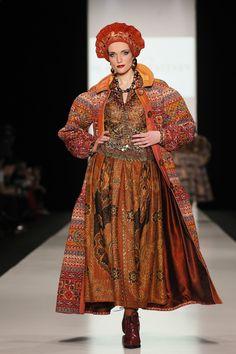 SLAVA ZAITSEV F/W 2014-15 – High Fashion / Ethnic & Oriental / Carpet & Kilim & Tiles & Prints & Embroidery.