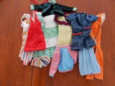Two lovely Sindy dolls, 1 blonde, 1 brunette, plus clothing and hangers | eBay