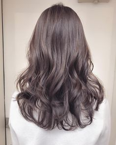 (notitle) Sure, the bushy perms of the might be out of vogue, but there are plentifulness of hai Permed Hairstyles, Pretty Hairstyles, Korean Hair Color, Ashy Hair, Wavy Hair Extensions, Medium Short Hair, Hair Highlights, Hair Day, Dyed Hair