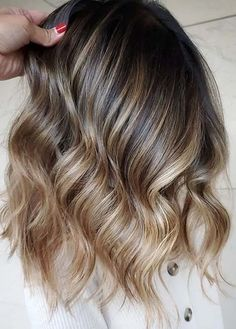 Awesome Melted Caramel Hair Color Ideas to Follow in 2020 Perfect Hair Color, Cool Hair Color, How To Melt Caramel, Hair Color Caramel, Hairstyle Tutorials, Hair Color Highlights, Hair Coloring, Hair Trends, Cool Hairstyles