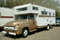 25 ft. long, mostly original California classic camper. Runs and drives, 429 gas engine, C5 automatic trans, AC, Bucket seats with walk through cab, very straight body and siding, minor water damage,...