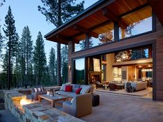 Sierra Splendor - Mountain Living - - A Bay Area family comes full circle in introducing their kids to the Lake Tahoe lifestyle. Mountain Home Exterior, Modern Mountain Home, Mountain House Plans, Mountain Living, Mountain Homes, Modern Exterior, Exterior Design, Modern Rustic Homes, Modern Cabins