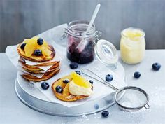 Rahkapitoiset ja maukkaat letut valmistuvat nopeasti. Kokeile appelsiinin tai vaniljan makuisina!