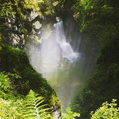 Spectaculaires et mystérieuses Gorges de l'abîme | Jura, France | crédit photo : Stéphane Godin/Jura Tourisme | #JuraTourisme