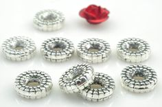 200 pcs of Antique Silver plated jewelry ,carve wheel Spacer Connector,metal Spacer beads in 8mm wide X 2mm Thick
