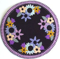 Pattern-for-a-penny-rug-style-wool-felt-PASTEL-PALATE-candle-mat