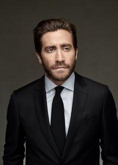 Jake Gyllenhaal on a photoshoot during the film festival in Dubai («Dubai International Film Festival»). December, 2015.