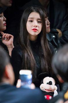Cute Beauty, Beauty Full Girl, South Korean Girls, Korean Girl Groups, Girl Artist, Brave Girl, Fandom, Seoul Fashion, Korean Wave