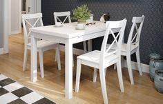 3-set masa si scaune albe din lemn decor bucatarie amenajata in stil scandinav Outdoor Furniture Sets, Outdoor Decor, Office Desk, Kitchen Design, Table, House, Decorations, Home Decor, Hip Bones