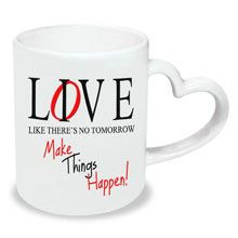 A good gift for boyfriend: Love & Live Heart Handle Mug