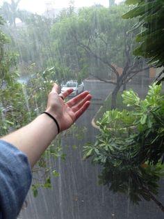 rain, grunge, and green image Rain Photography, Girl Photography Poses, Vintage Photography, Girl Photo Poses, Girl Poses, Image Swagg, The Garden Of Words, Rantaro Amami, I Love Rain