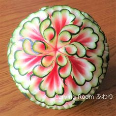 Obst Carving Galerie - Carving Room Fluffy - Food Carving-Ideen - - Standard Leaf Style Pupils commence by Discoverin L'art Du Fruit, Deco Fruit, Fruit Art, Watermelon Art, Watermelon Carving, Carved Watermelon, Fruits Decoration, Creative Food Art, Food Sculpture