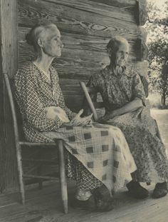 Arkansas 1936: I love this old picture . So much knowledge , memories and love there.