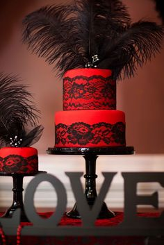 'HOT' Red and Black Bridal Shower Dessert Table » mondeliceblog.com