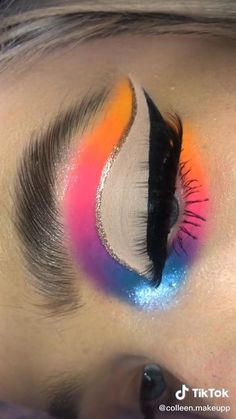Eye Makeup Designs, Eye Makeup Art, Eyeshadow Makeup, Bright Eye Makeup, Colorful Eye Makeup, Beginners Eye Makeup, Learn Makeup, Rainbow Makeup, Creative Makeup Looks
