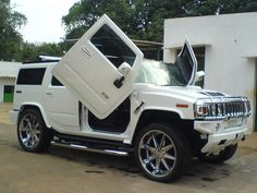 i want this Hummer w/ lambo doors but in black! Hummer H3, Hummer Cars, Hummer Truck, White Hummer, Car Backgrounds, Top Cars, Car Wallpapers, Hd Wallpaper, Sexy Cars
