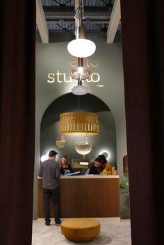 Der Eingang zum Messestand von Eno Studio auf der Maison & Objet. Art Deco Stil, Paris, Studio, Design, Home Decor, Dining Ware, Entryway, Asylum, Wallpapers