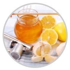 Prírodný elixír plný zdravia z medu, citrónu a cesnaku. Vyrobte si elixír, ktorý podporí vašu imunitu a očistí celé telo pomocou citrónu, medu a cesnaku. Med, Punch Bowls, Honey, Lemon