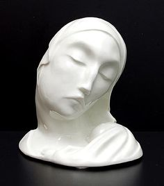 White glazed porcelain sculpture of woman with child design Tono Zoelch 1928 executed by Rosenthal / Bavaria 1928