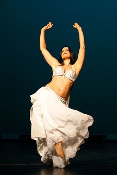 belly dancer yemaya in white portland oregon