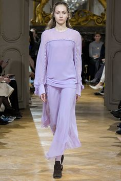 http://www.vogue.com/fashion-shows/fall-2017-ready-to-wear/john-galliano/slideshow/collection