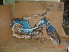 Kuvahaun tulos haulle vanhat polkupyörät Moped Scooter, Scooters, Vehicles, Motorcycles, Motor Scooters, Car, Vespas, Motorbikes, Motorcycle